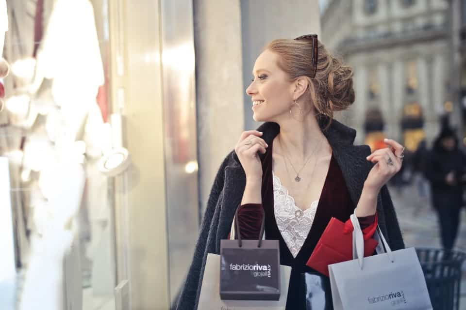 How to Save Money with Slow Shopping