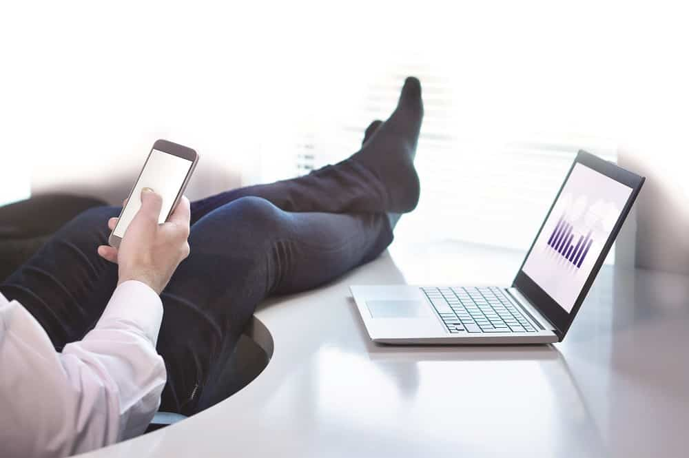How Can Ergonomics and Good Working Habits Reduce Health Risks