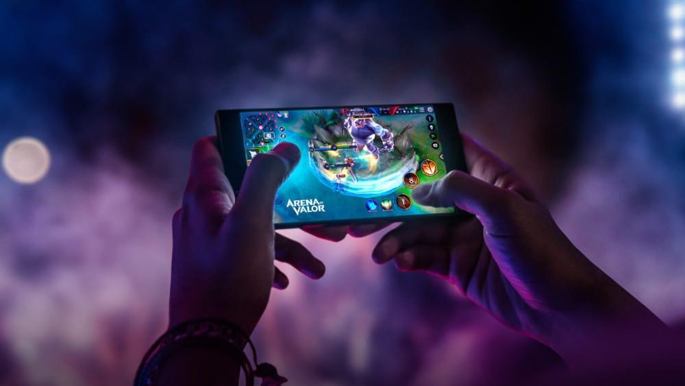 The Smartphones Revolution in Online Gaming Industry
