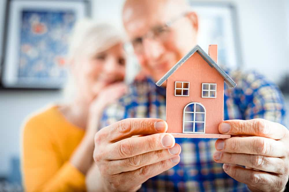 What are the Benefits of Moving to an Assisted Living Community?