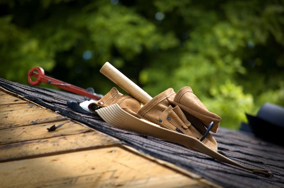 3 Reasons You Should Never Put Off Roof Repairs